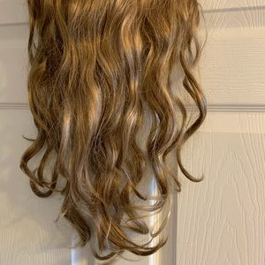Clip in beachy waves